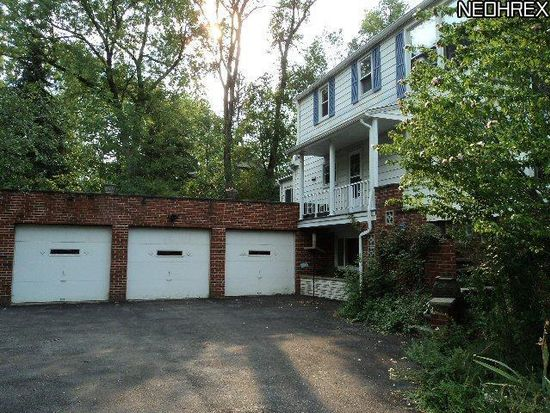 6944 Farview Rd, Brecksville, OH 44141