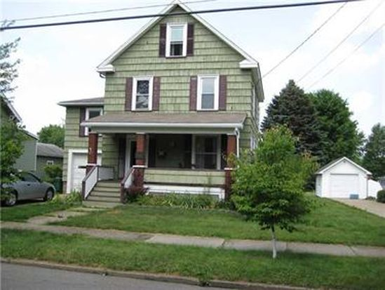 153 Edgewood Ave, Grove City, PA 16127