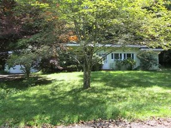 5 Laurel Rd, Guilford, CT 06437