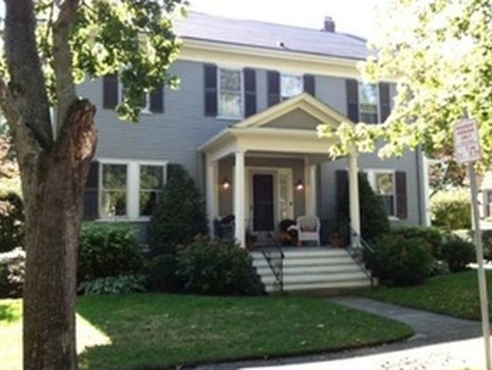196 Bedford St, New Bedford, MA 02740