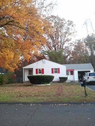 119 E Pershing St, Bloomfield, CT 06002