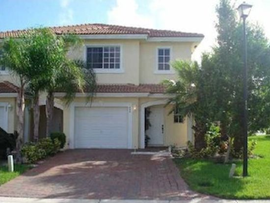 924 Imperial Lake Rd, West Palm Beach, FL 33413