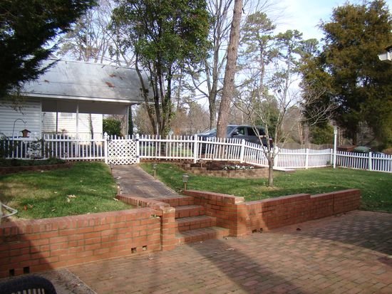 1700 Liberty Dr, Greensboro, NC 27408
