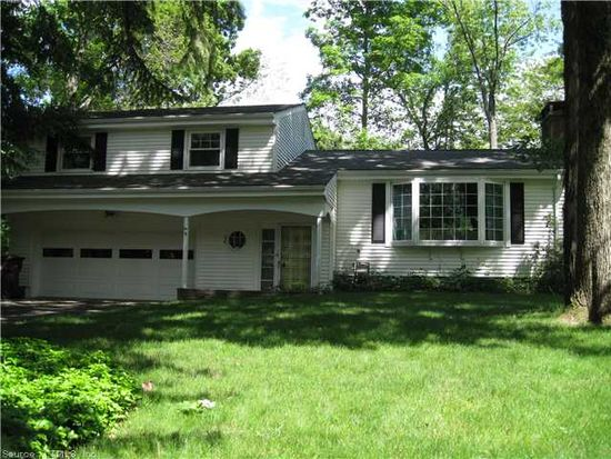 18 Lexton Dr, Farmington, CT 06032