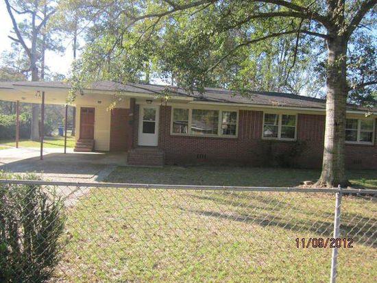 105 Groveland St, Jesup, GA 31545