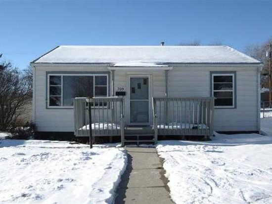 709 19th St NW, Minot, ND 58703