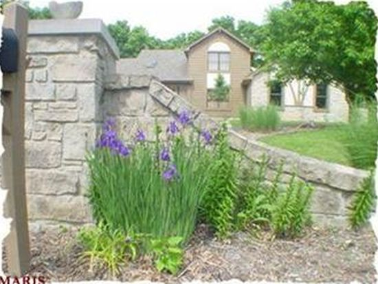 2900 Country Point Ct, Wildwood, MO 63038