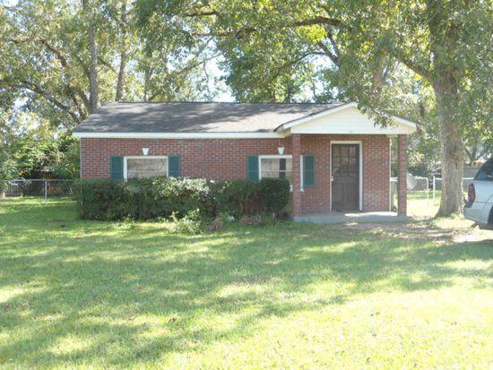 893 Taylor Rd, Dothan, AL 36301