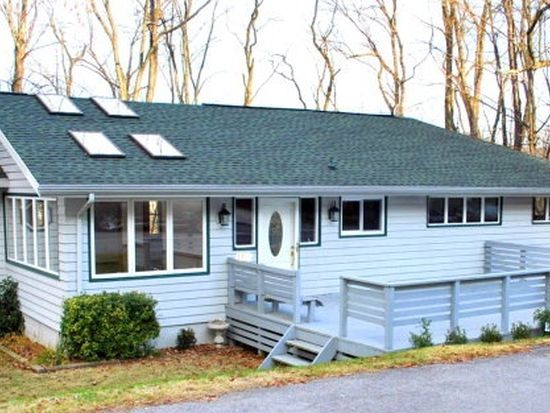 1150 Agnes Ave, Johnstown, PA 15905