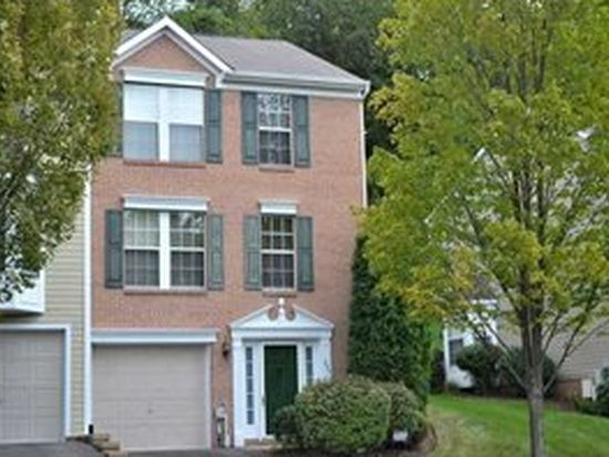 363 Murrays Ln, Castle Shannon, PA 15234