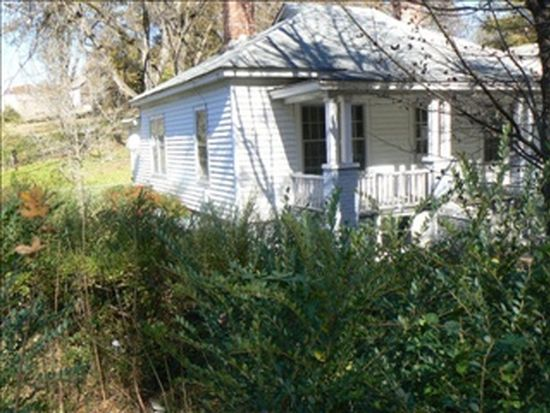 947 Harris St, Eden, NC 27288