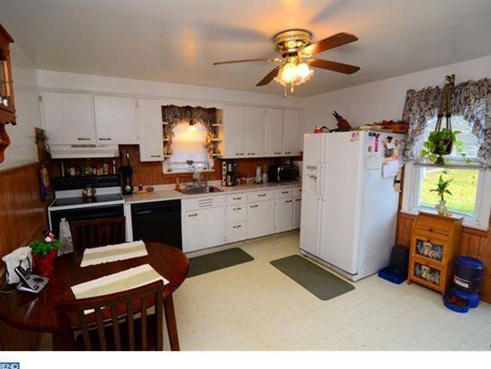 33 Woodland Rd, Wyomissing, PA 19610