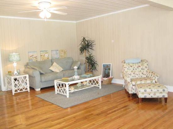 708 12th Ave S, North Myrtle Beach, SC 29582