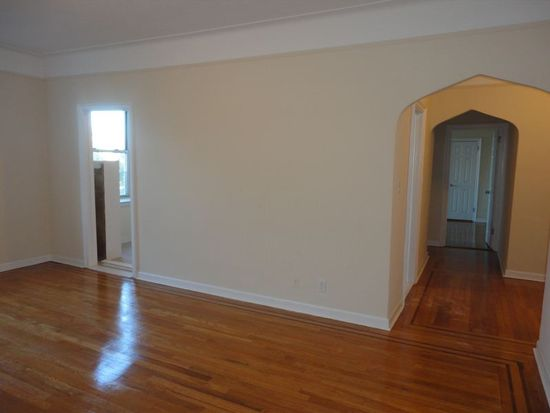 5911 Queens Blvd APT 4A, Woodside, NY 11377