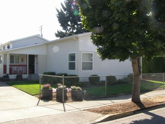 933 A St, Springfield, OR 97477