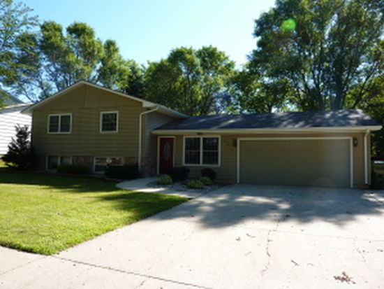 535 17th Ave S, Brookings, SD 57006