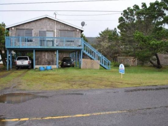 26555 Nedonna Ave, Rockaway Beach, OR 97136