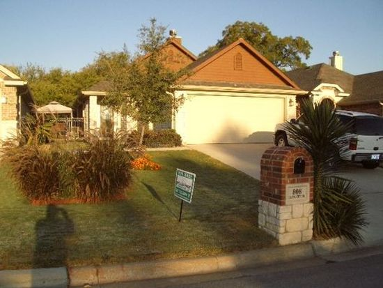 808 Claycourt Cir, Fort Worth, TX 76120
