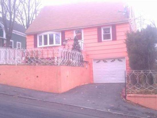 105 Bodwell St, Lawrence, MA 01841