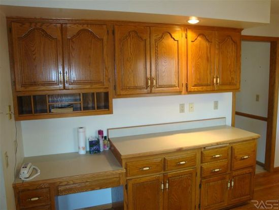 4900 S Pennbrook Ave, Sioux Falls, SD 57108
