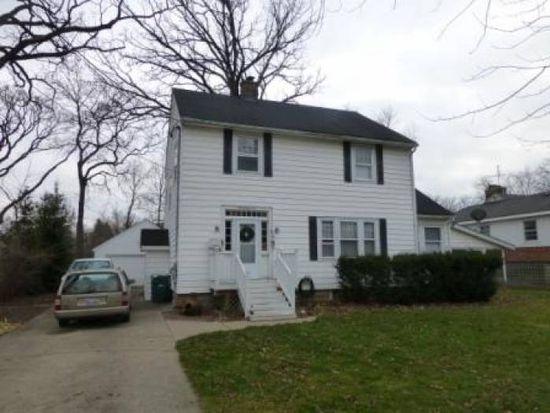 221 Junior Ave, Grayslake, IL 60030