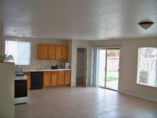 3368 Dayton Herzog Ln, Stockton, CA 95206