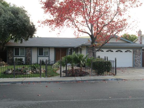 25 Sunnyhill Way, Pittsburg, CA 94565