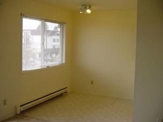 5656 California Ave SW APT 201, Seattle, WA 98136