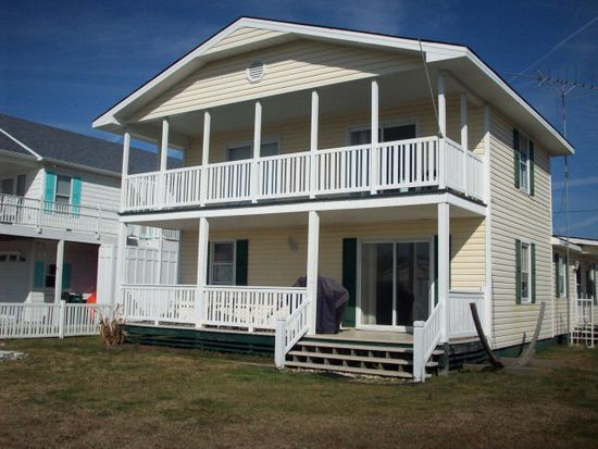 7095 7th St, Surf City, NC 28445