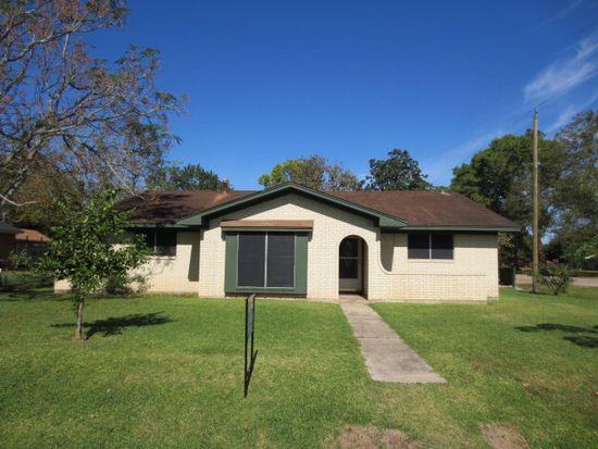 102 Nelson St, Freeport, TX 77541