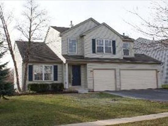 2007 Woodhaven Dr, Bartlett, IL 60103