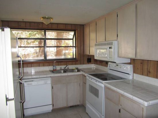 812 Jeffery St, South Lake Tahoe, CA 96150