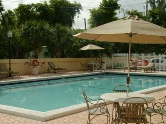 1805 Sans Souci Blvd APT 404, North Miami, FL 33181
