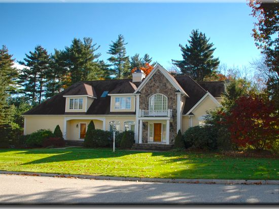 5 Andover Country Club Ln, Andover, MA 01810