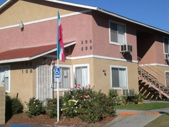 7862 Lankershim Ave APT 121, Highland, CA 92346