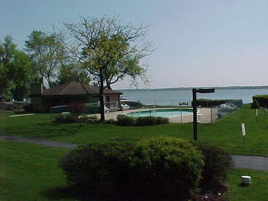 71 Mariner Ln, Fox Lake, IL 60020