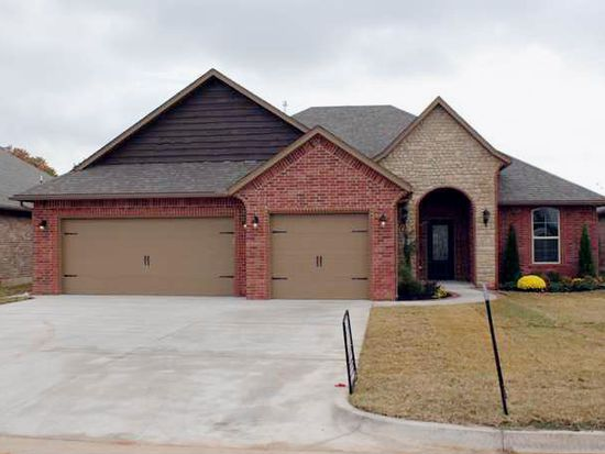 1304 Riverwind Dr, Midwest City, OK 73130