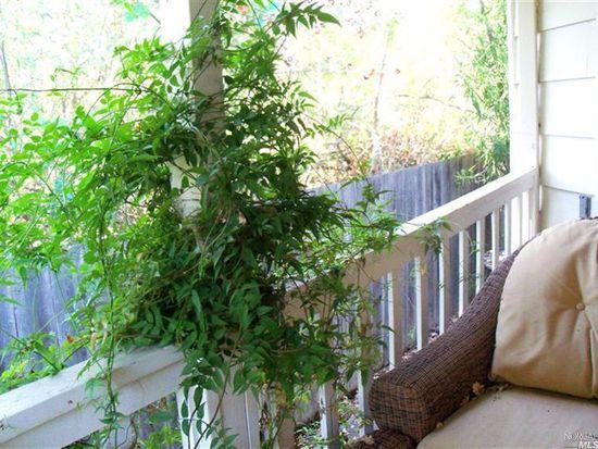 286 Colonial Park Dr, Santa Rosa, CA 95403
