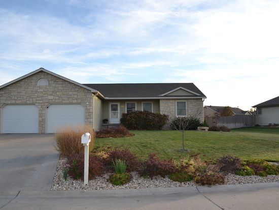4047 Bald Eagle Dr, Manhattan, KS 66502