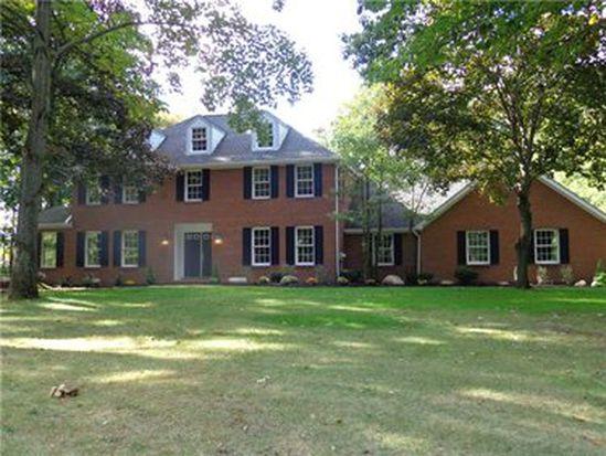 669 Treetop Ln, Hermitage, PA 16148