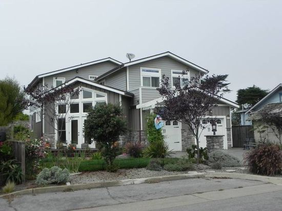 425 Virginia Ave, Moss Beach, CA 94038