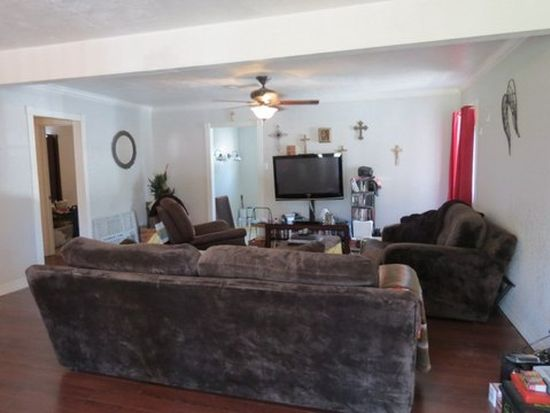5300 Lincoln Ave, Groves, TX 77619