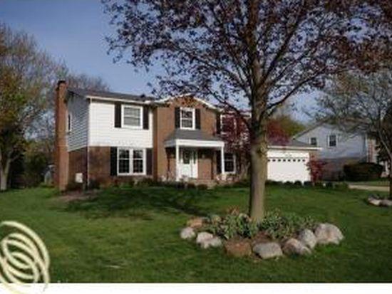 6828 Cottonwood Knl, West Bloomfield, MI 48322