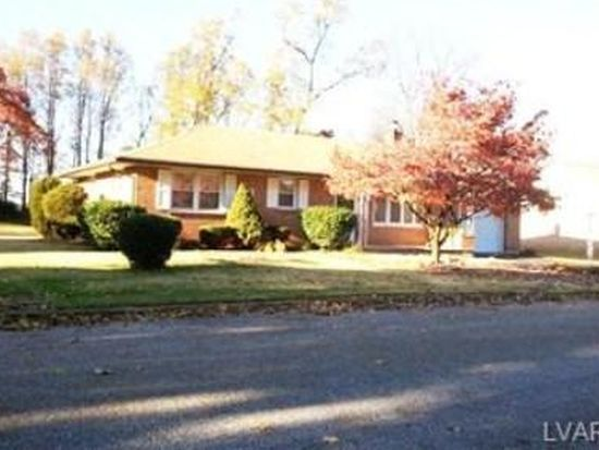 3867 Rosewood Ln, Whitehall, PA 18052