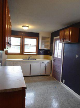 26 Grover St, East Syracuse, NY 13057