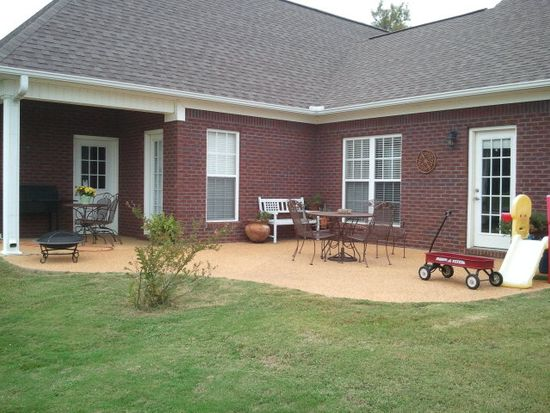 233 Deer Park Dr, Thaxton, MS 38871
