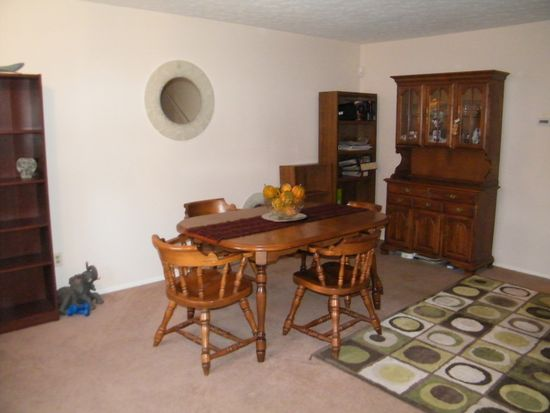 8838 Yellowstone Pkwy, Olmsted Twp, OH 44138