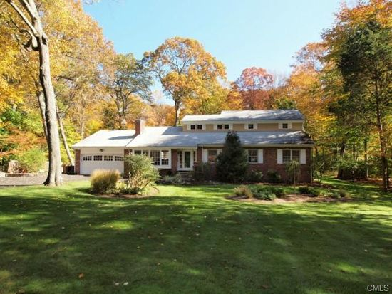 18 Betsys Ln, New Canaan, CT 06840