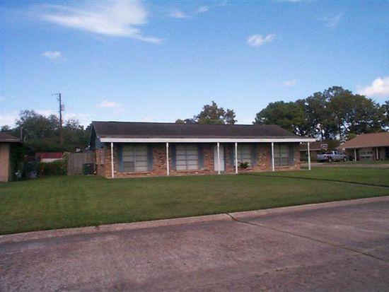 300 Angle St, Angleton, TX 77515