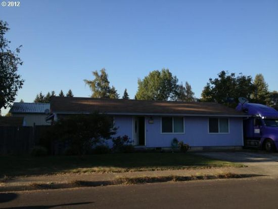 150 SW 6th Pl, Canby, OR 97013